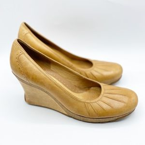 Kenneth Cole reaction wedge heels